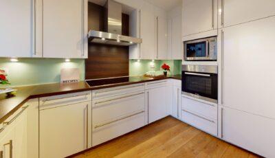 Mooi gerenoveerd appartement in Hemiksem 3D Model